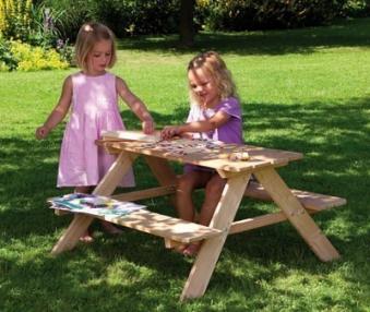 WINNETOO Kindersitzgruppe / Picknicktisch Lärche 89x89x50cm Bild 2