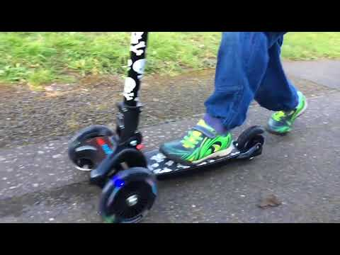 kiddimoto Scooter / Kinderroller U-Zoom Scooter klappbar Pastel Dotty Video Screenshot 2598