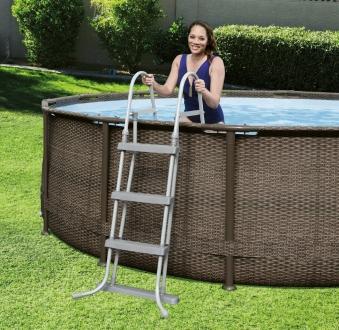 Poolleiter sicherheitsleiter bestway pool 122cm 4 stufen for Poolleiter bei obi