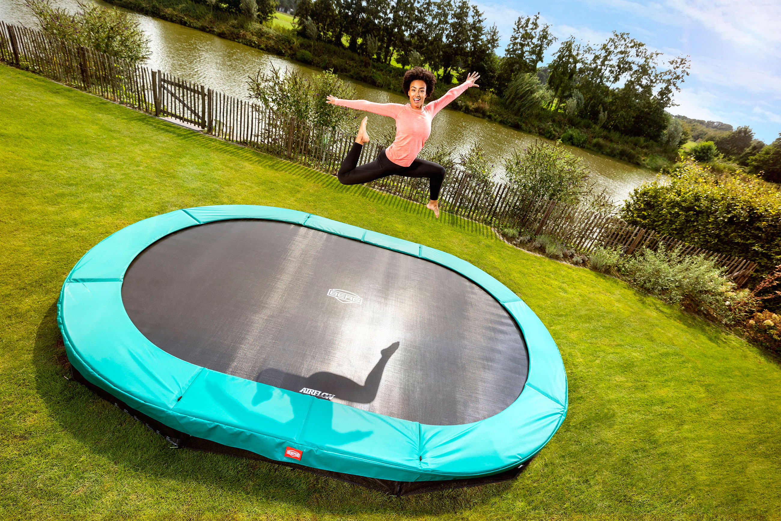 Trampolin Grand Champion InGround Sports grün 350x250cm BERG toys Bild 5